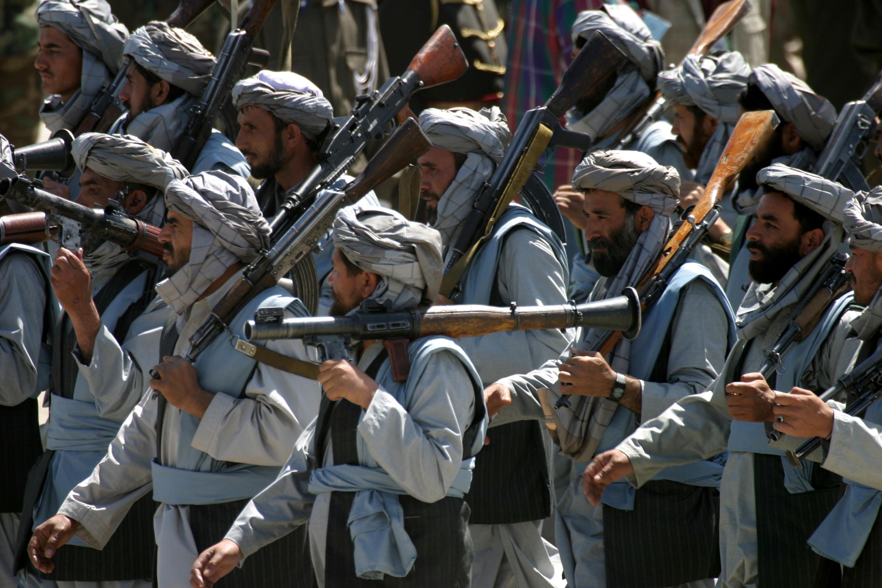 Taliban Fighters Kill 140 to 200 Afghan Soldiers - Retrospect .